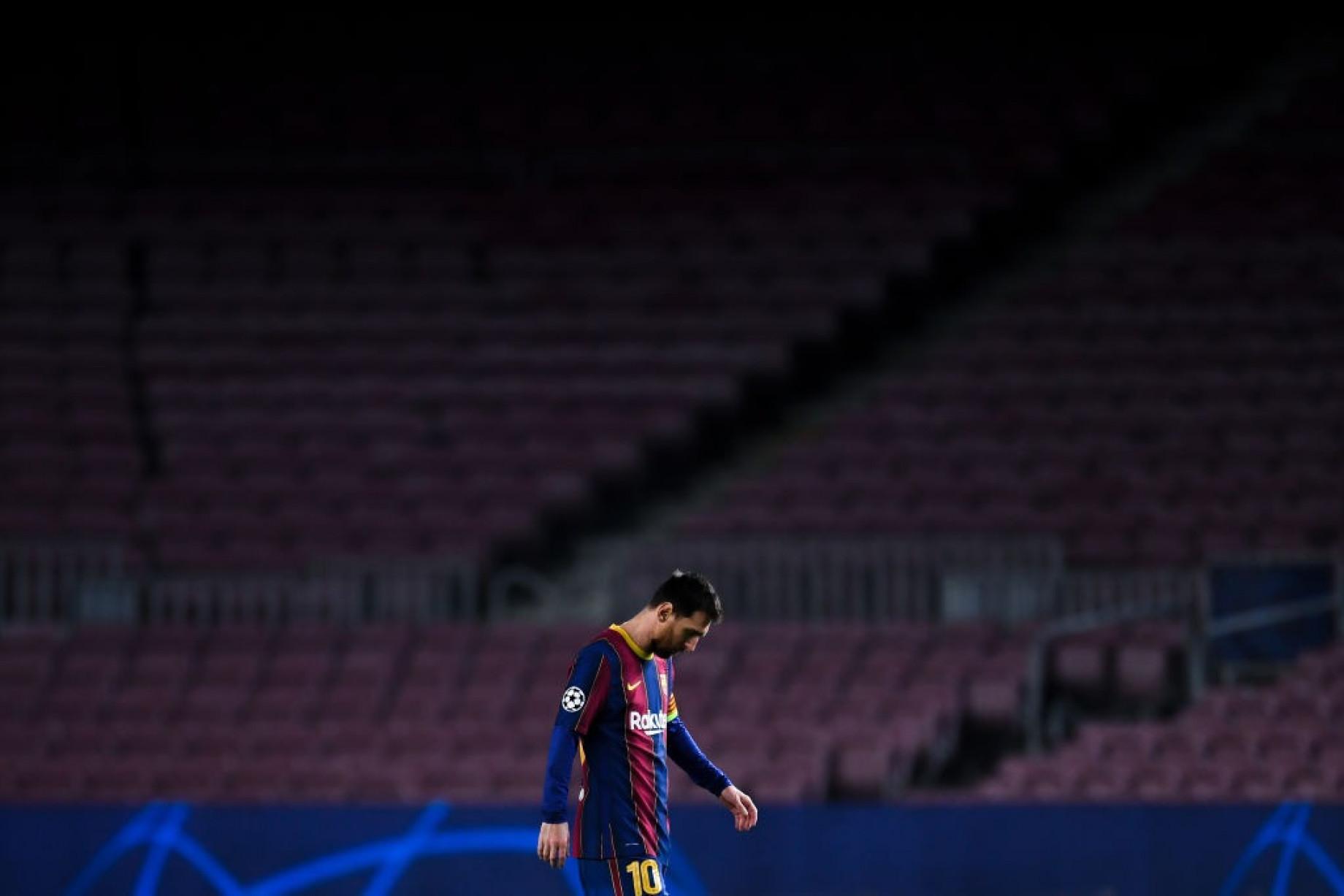 Barcellona PSG Messi Triste GETTY.jpeg