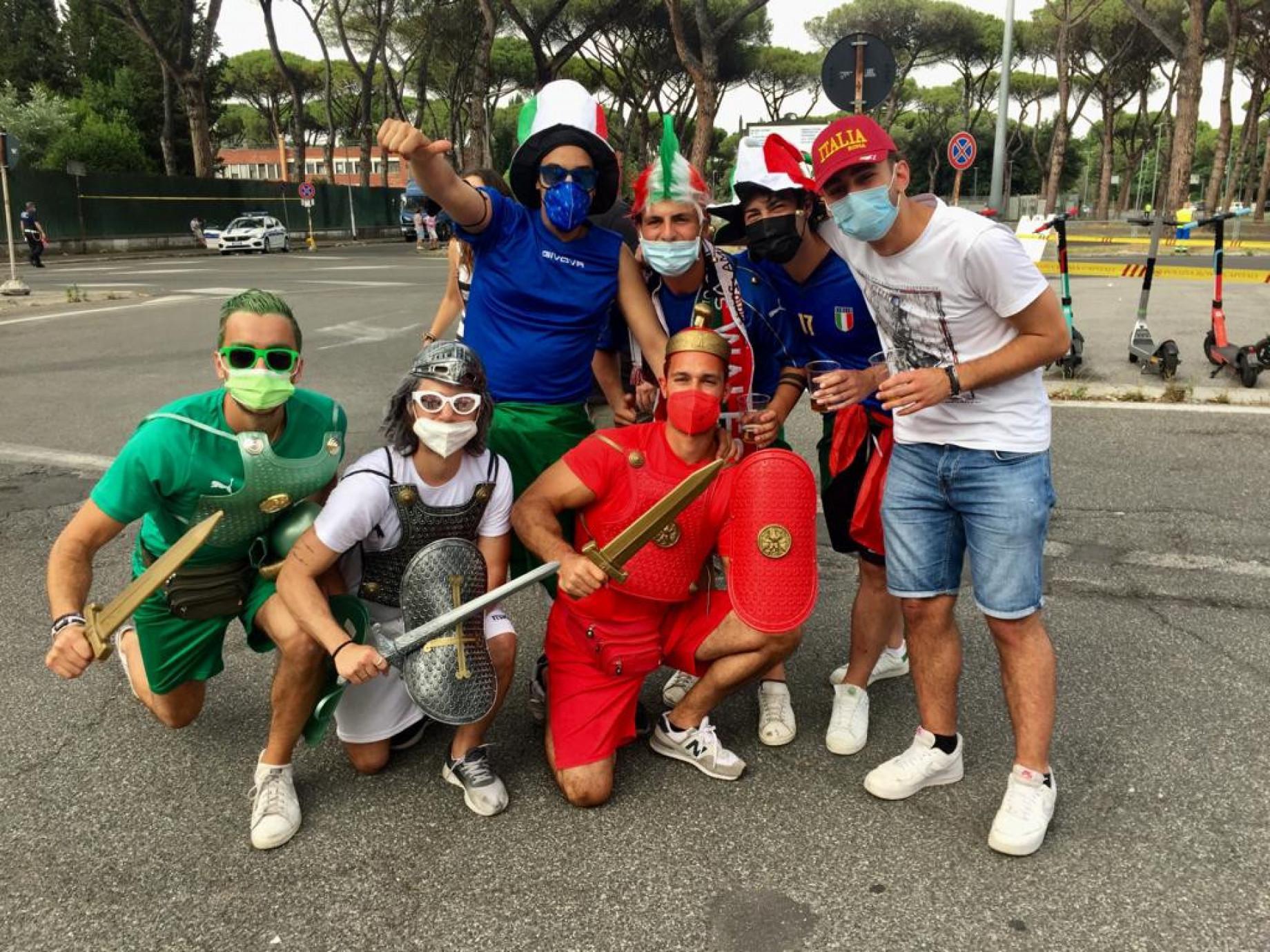italia-galles-tifosi.jpeg