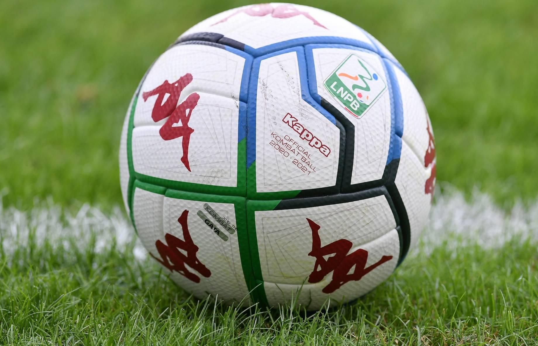 pallone Serie B 2020 2021 IMAGE generica.jpg