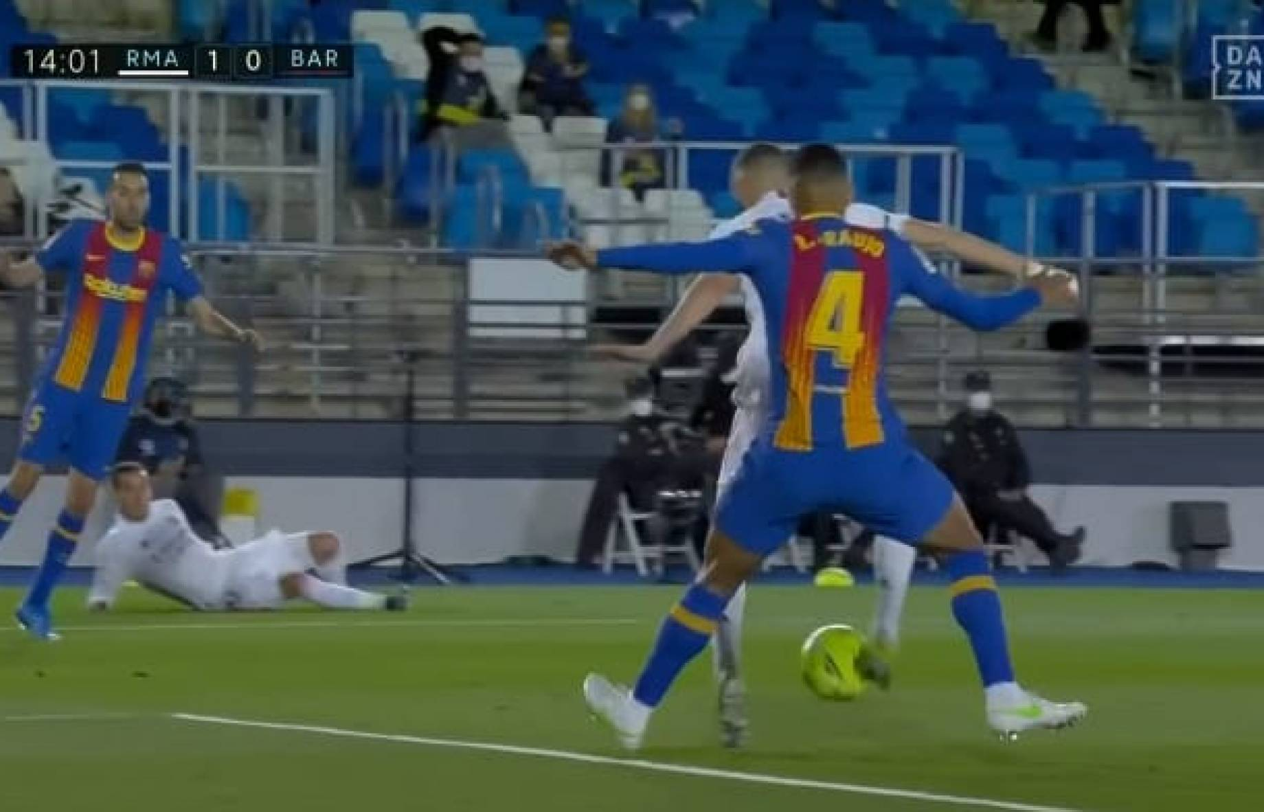 Benzema gol clasico SCREEN